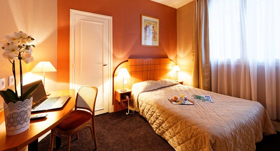 hotel-astrid-rouen-gare-centre-ville-gueret-1880-3-chambre-grand-lit-960x517